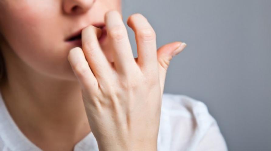 biting nail